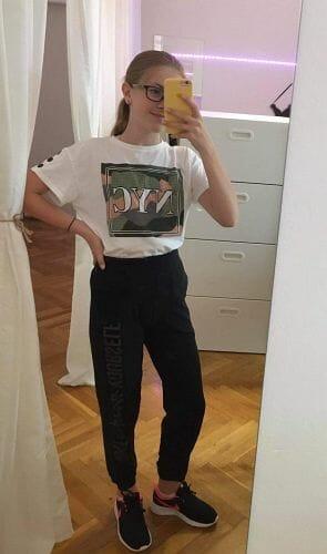 Hip hop oblečení na taneční trénink: triko, tepláky a boty Nike